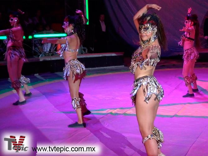 8 Bailarinas