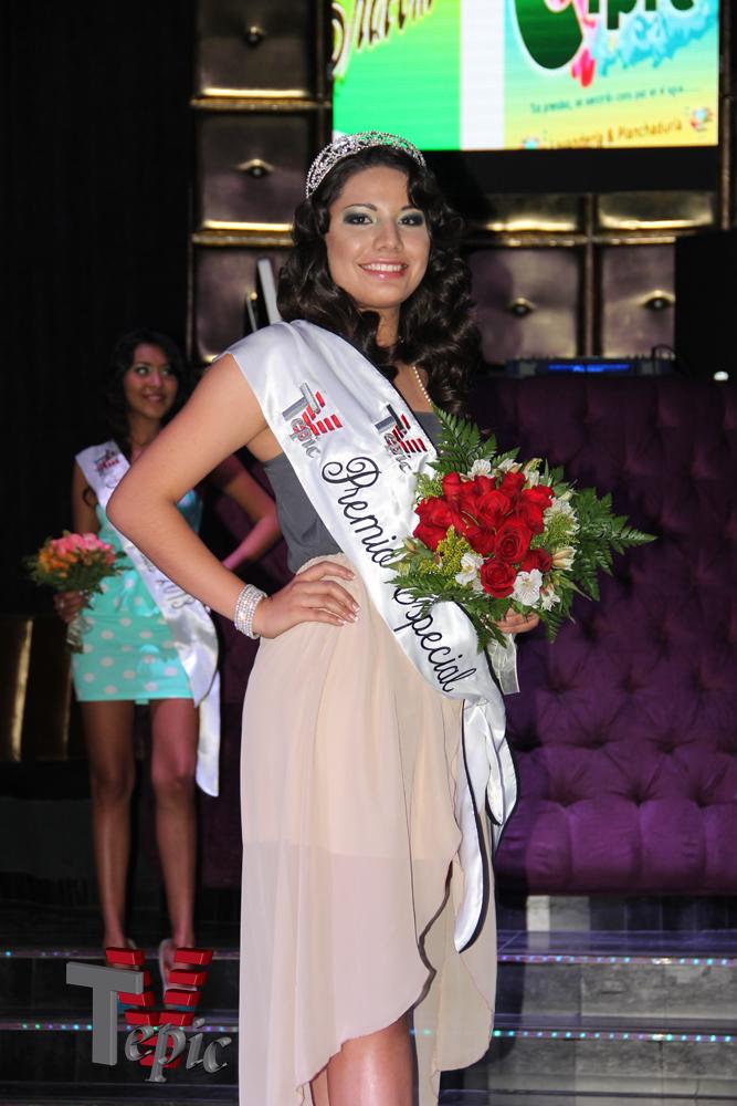 Keila Lizette Zarate Cortes – Imagen Tv Tepic 2013 y Premio Especial