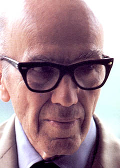 21 Luis Barragan